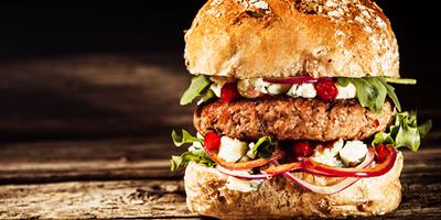 Preparo de hambúrguer gourmet - Senac MS